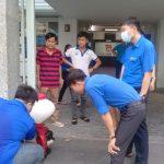 Chi Đoàn Trung tâm Phát triển Khoa học và Công nghệ Trẻ phối hợp cùng Chi Đoàn Văn phòng phun dung dịch sát khuẩn anolyte